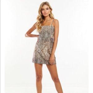 Amazon Dress Snake Print- Peppermayo